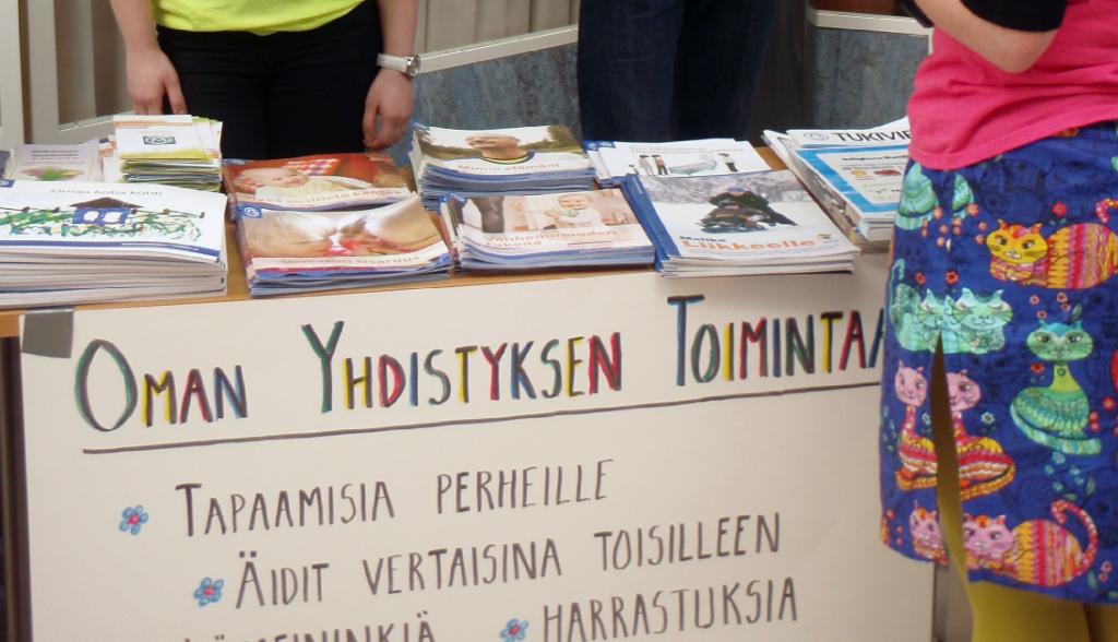 Imatran tukiyhdistyksen Erityinen Kevätpäivä. Yhdistyksen toiminnan esittelypiste.