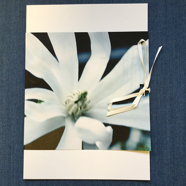 Suruadressi Valkea kukka, original Marika Lehti