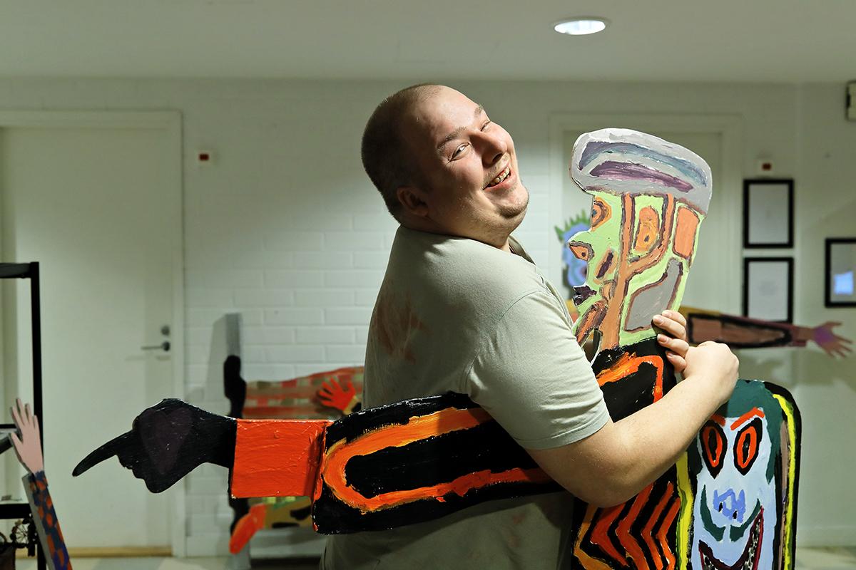 Juhani Rusanen on yksi Muotokuvakioskin taiteilijoista.