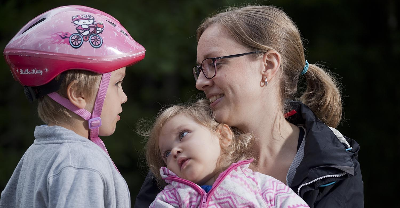 Romppasern perhe nauttii pyöräilystä. Kuva: Janne Ruotsalainen